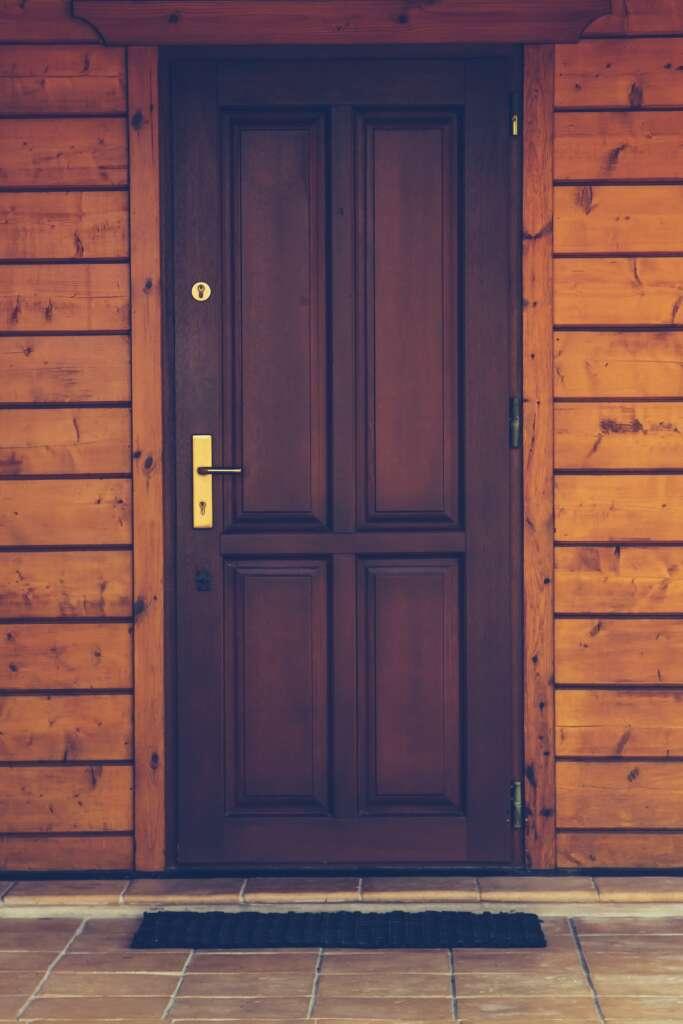 spynos keitimas - durys